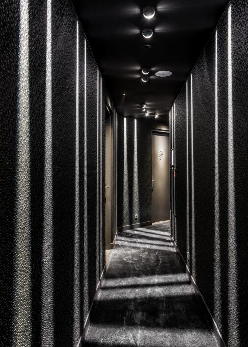 le marin hotel rotterdam hallway gang