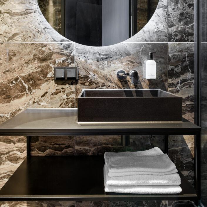 le marin hotel rotterdam bathroom wastafel