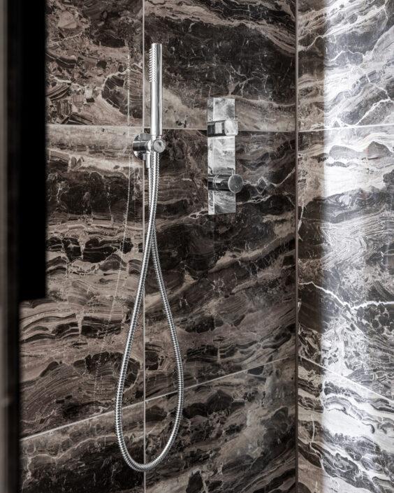 hotel le marin rotterdam bathroom marmer