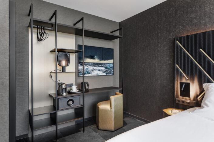 le marin hotel Rotterdam suite desk